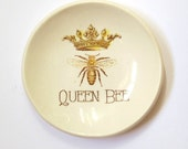 Queen Bee . Ring Dish . Ring Holder . Handmade Ceramic Dish . Jewelry Dish . Bride Gift . Gift under 20