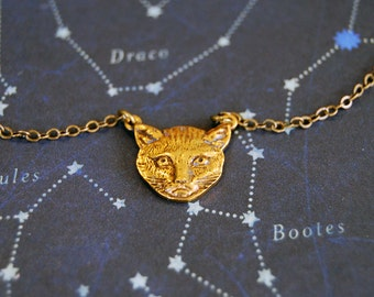 vintage here kitty kitty cat face necklace- grumpy cat - aged brass