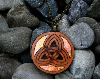 Celtic Trinity Knot Gourd Pendant Necklace