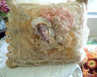 A gentle woman pillow