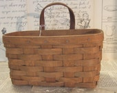 1986 LONGABERGER Medium Key Basket with leather handles