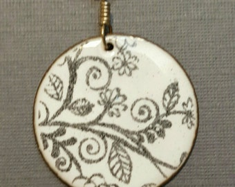 Ships within 24 hours   Enameled White and Black Flower Circle Pendant 1