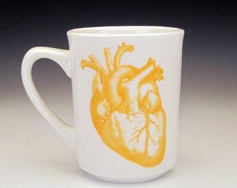 anatomical heart classic MUG in Goldenrod Yellow