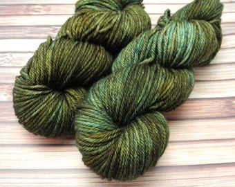 Kilt Me Dead Superwash Worsted Merino Hand Dyed Yarn - In Stock
