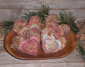 Beautiful Set of 4 Primitive Grungy Rustic Country Paisley Pink LOVE Valentine February 14 Heart Bowl Fillers Ornies Ornaments Tucks