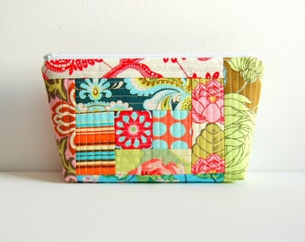 Quilted Patchwork Makeup Bag, Cosmetic Case, Padded Zipper Pouch, Women and Teens, Amy Butler Fabric