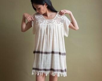 cream open weave cotton crochet dress / fringe mini dress / ethnic summer sun dress / s / 1333t