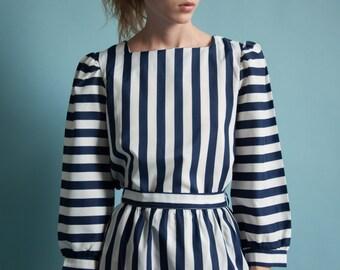 blue white striped skirt set / puff sleeve blouse / 80s skirt set / s / 1867t / B11