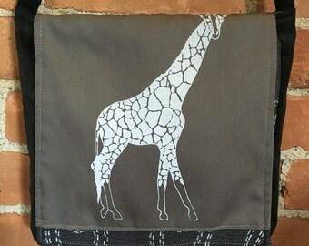 Giraffe Messenger Bag Gray Black 10 x 10