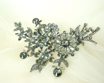 Large vintage style flower brooch, dark silver smokey grey crystal floral pin, gunmetal bridal brooch, for wedding bouquet and hair pieces