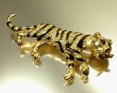 Vintage 1980s gold plated & diamante rhinestone panther, big cat costume pin brooch - jewellery jewelry