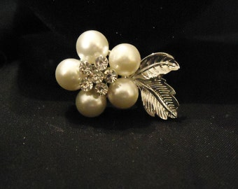 Pearly White Petals Silver Metal Leaves and Clear Crystals Rhinestones Flower Shaped Brooch Vintage