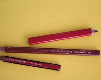 3 / three VINTAGE carpenter pencil