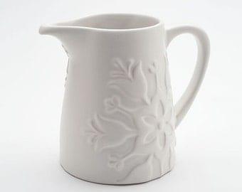 beehive harmonie milk pitcher - ceramic stoneware