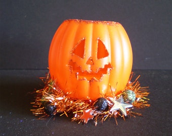 Glowing light up Jack o Lantern pumpkin Halloween Decoration vintage style shabby chic wreath home decor old fashioned