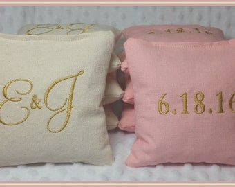 Cornhole Bags Wedding Personalized Set of 8 Cream and Light Pink Montey font