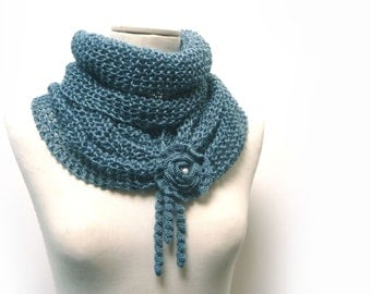 Infinity Scarf / Chunky Knit Scarf / Knitted Shawl / Loop Scarf / Cowl Scarf - Teal green wool and silk yarn with flower button