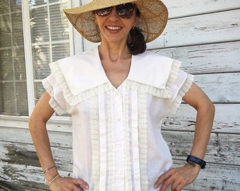 Vintage Country Chic feminine blouse,80-90s,Prairie girl,lace,Sea,summer,Nautical,pretty,boho,pearly buttons,sailing,made in USA,off white