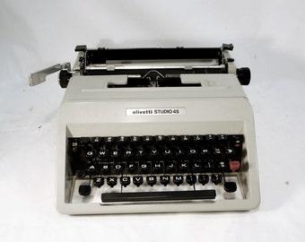 Olivetti Studio 45 vintage manual Typewriter light dove gray with black in original hard gray plastic case paperwork 1960s
