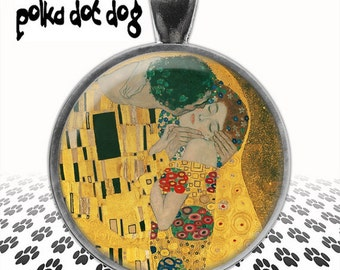 The Kiss -- Gustav Klimt Art Large Glass-Covered Pendant