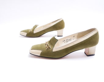 60s Two Tone Slip On Pumps // Olive Green Suede Leather // Brass Accents 6.5 M // 97