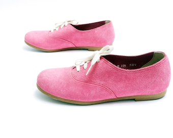 Size 8// 80s Pink Suede Oxfords // Round Toe Lace Ups // 206