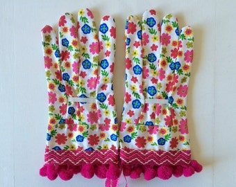 designer garden gloves as seen in better homes and gardens diy magazine and mother earth living magazine flowers zig zag pom poms