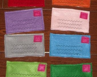 Felt envelopes, pretend mailing letters (8 pieces)
