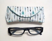 Arrow Reading Eyeglass or Sunglass Case with Magnetic Closure