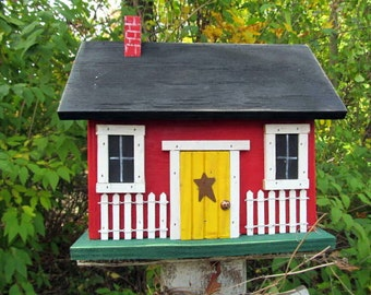Primitive Colonial Red Cabin Birdhouse White Picket Fence
