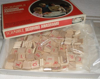 Set of 140 Vintage Wooden Scrabble Anagram Red Letter Tiles Game Pieces