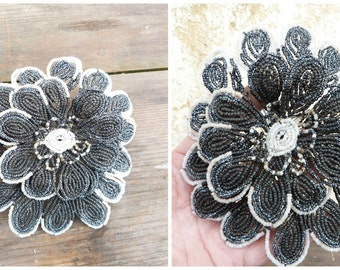 Vintage Antique 1900/1920 French  black/grey  white glass beads & cristal  beaded flower /French beadwork