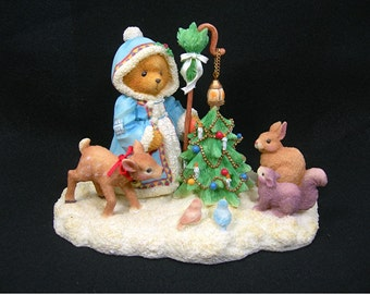 Christmas Cherished Teddies Winter Scene, Olga Bear Figurine with Forest Animals and Decorated Tree, Vintage 1996, Holiday Decoration (Dwr)