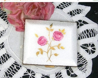 Guilloche Powder Compact, Vintage c1950-60s, Pink Flowers, Gold Leaves, Woman's Purse Accessory, Cosmetics,No Puff