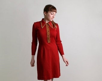ON SALE Vintage 1970s Dress - Brick Red Ribbed Sweater Dress - Medium