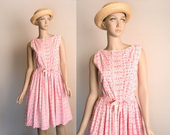 Vintage 1950s Dress - Pink Novelty Print Dog Dragon Water Fountain Medieval Cotton Day Dress - Small