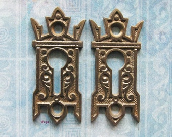 Gothic Black Eastlake Escutcheon Keyhole Furniture Hardware Antique Skeleton Key Plates Gryphon Wing Embellishment