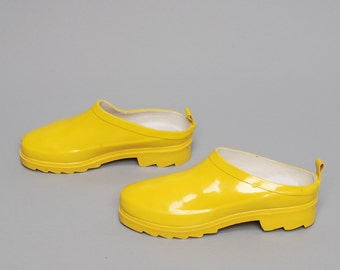 size 5.5 WATERPROOF yellow rubber 80s 90s CLOG slip on RAIN boot mules