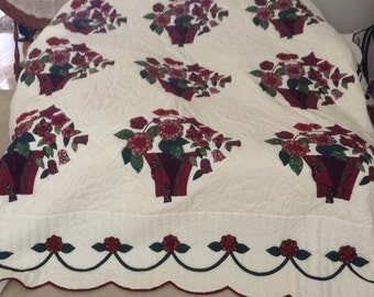 Queen Size - Amish Made - Baskets of Flowers - Applique