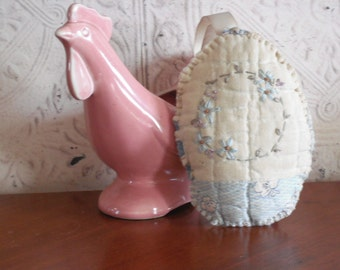 EASTER EGG - Folk Art-Primitive - Vintage quilted egg- Hand Embroidered