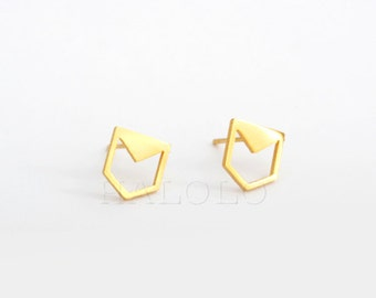 Golden Geometric triangle arrow point  Stainless Steel  Stud Earring Post Finding (ES004A)