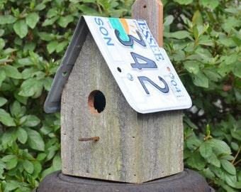 Rustic Birdhouse - Primitive Birdhouse - Recycled Birdhouse - Hanging Birdhouse - Barnwood Birdhouse