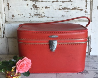 Sears Featherlite Vinyl Train Case in Red