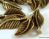 25 Antique Bronze Leaf Charm Drop Pendant LF 15x8mm - 25 pc - M7022-AB25