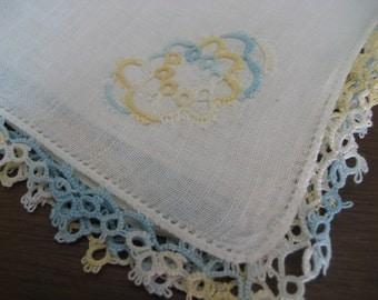 VINTAGE Tatted Edge White Linen Handkerchief