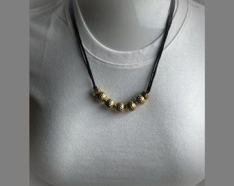 Goldi-dot necklace