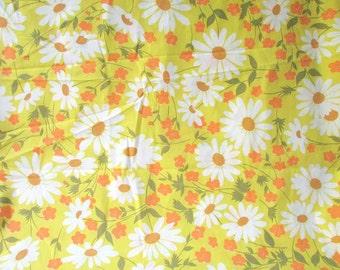 1980 Vintage Full Size Flat Percale Sheet, Mod Daisy Flowers, Yellow, Orange, Olive Green, White, Vintage Bedding, Vintage Fabric