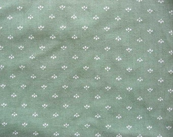 1 Yard of Vintage 1980's Unused Sage Green with Little White Sprigs Pattern Cotton Fabric, Concord Fabrics, Quilts, Sewing, Creative Use