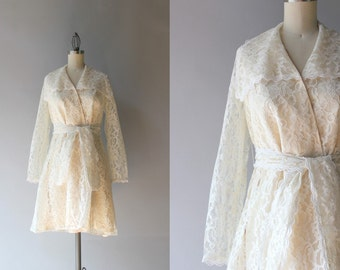 Vintage 1960s Dress / 60s Cream Lace Dress / Belted Scalloped Sixties Lace Wrap Dress