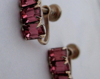 vintage prong set pink rhinestone screw back earrings - j5968